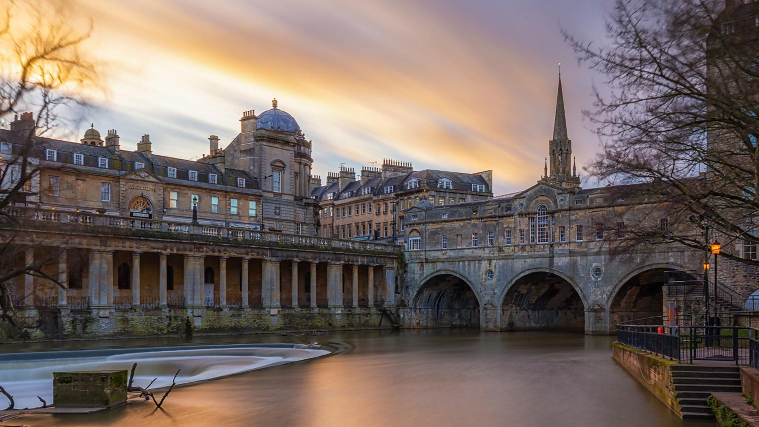 Pulteney Bridge Bath at sunset