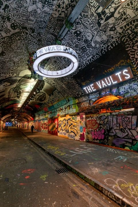 Enjoy Leake Street in London with SWR