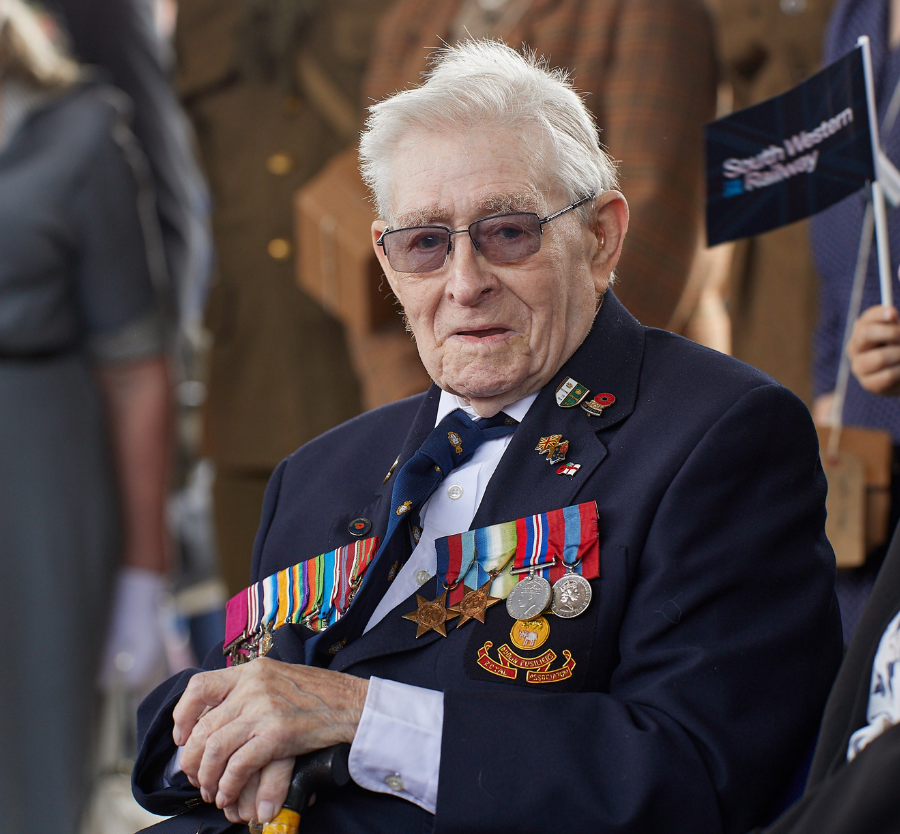 South Western Railway honours D-Day veterans | South Western