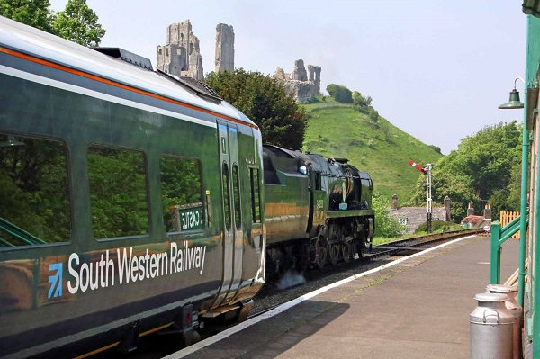 Train at Corfe Castle station